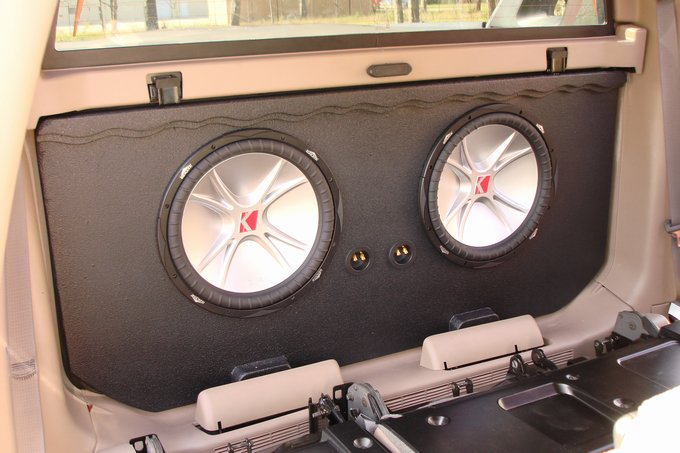 02-2016 Avalanche / Cadillac EXT 2-10'' Sub Box