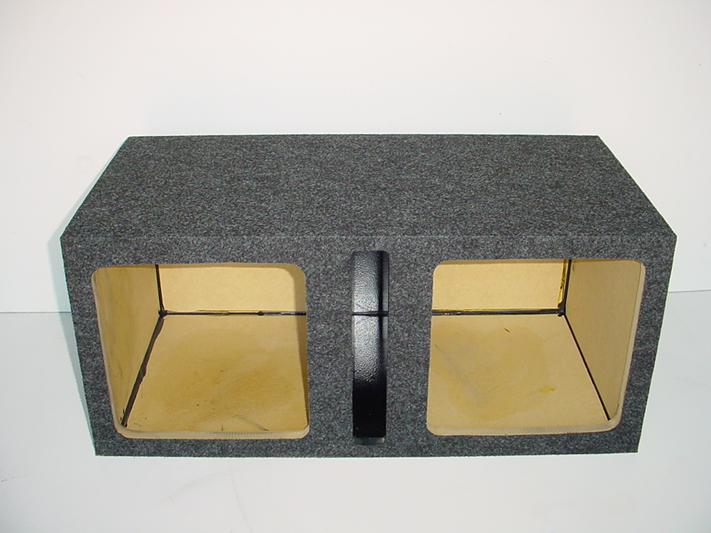 Dual 12'' Kicker Solobaric L5 / L7 Slot Ported Sub Box